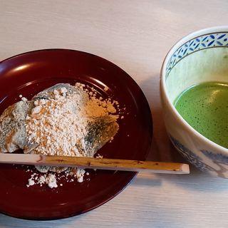 抹茶と草わらびもち(高台寺 洛匠)