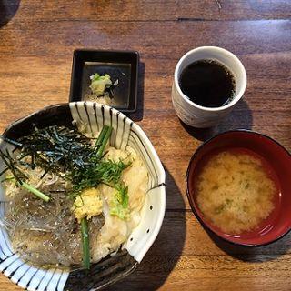 3色丼(のれそれ丼)(しらすや)