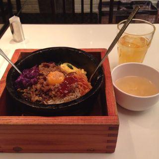 プルコギビビンバ(韓の旬 菜彩)