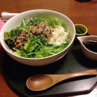 雑穀米のネバネバ丼(冨月)