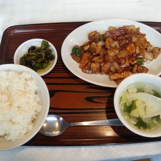 鶏肉みそ炒めランチ(日替わり定食)(ホテルオーエド紹興飯店)