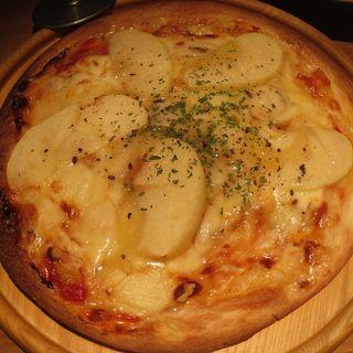りんごとブルーチーズのピザ(ROSE)