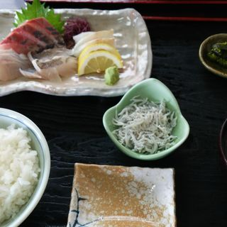 お刺身定食(池田丸 腰越店)