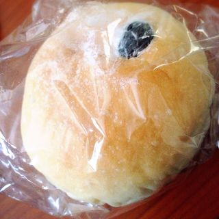 白黒豆パン(ルバーブ)