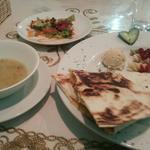 日替わりランチ(ポテトとチーズのクレープ、スープ、サラダ付)