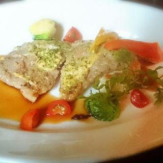 ランチメニュー(豚肩ロース肉の香草パン粉焼き)とドリンクセット(Cafe 1894)