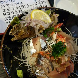 海鮮丼(みそ汁付)(しらさぎの宿 丸福)
