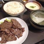 牛タン焼とろろ付き定食