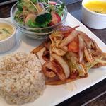 ランチプレート豚肉とキャベツのピリ辛炒め(ozu cafe)