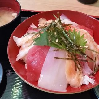 海鮮丼(街のみなと食堂)
