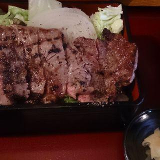 炭焼き炙り 肉重(DININGあじと )