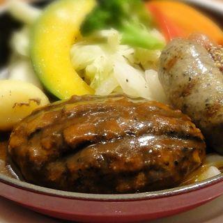 牛100%手ごねハンバーグ&2種のソーセージグリル(神戸屋シルフィー )