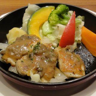北海道産知床どりと新鮮生野菜のグリル (神戸屋シルフィー )
