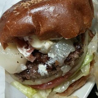 桃と生ハムのカプレーゼバーガー(バーガーマニア 白金店 (Burger Mania))