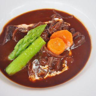 牛ほほ肉の赤ワイン煮込み(こまつや)
