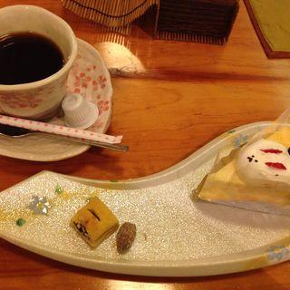 まったりセット ホットコーヒーとチーズケーキ(てん家)