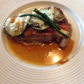 Aランチ 豚ロースと夏野菜のチーズ焼き(ママン )