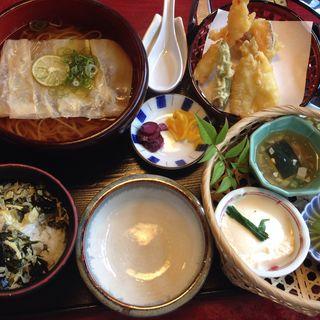 稲庭うどん膳(岡崎茶寮)