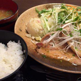 栃木県産 瑞穂野もち豚塩だれ柚子胡椒焼き定食(HARU 本町邸 )