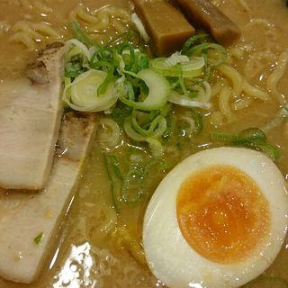 豚骨醤油ラーメン(越後秘蔵麺 無尽蔵 高槻家 )