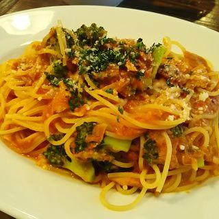 ツナとブロッコリーのトマトソースパスタ(Tocci (トッチ))