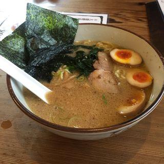 味玉ラーメン(横濱家)