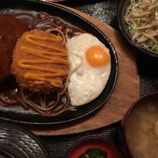 チーズ入りコロッケとハンバーグ定食(味里 神明台店 (みさと))
