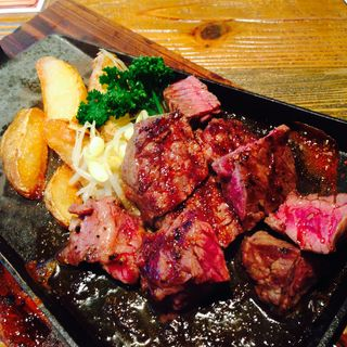 牛ハラミのステーキ(ニクバルダカラ 伏見 )