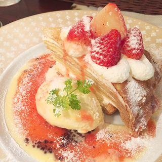 苺のミルクレープタルト(クレープリー京都シャンデレール)