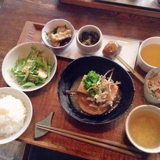 根菜とお豆腐の揚げたし とろろ出汁あんかけ定食(cafe nofu)