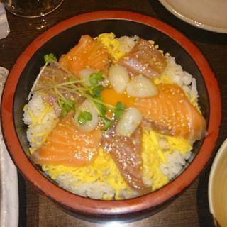 海鮮塩だれユッケ桶飯(ごちそう村 高砂店)