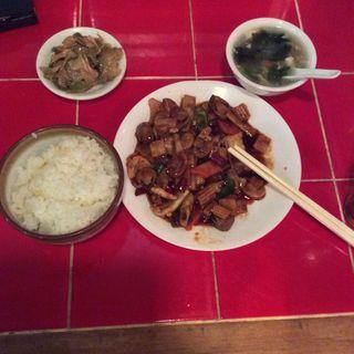 ピリ辛イカ炒め定食(台南市場)