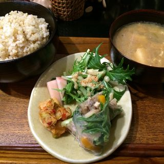 みそ汁玄米定食(やさい食堂 堀江座)