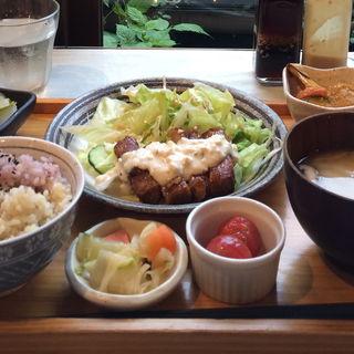チキン南蛮風プレート(ムモクテキカフェ)