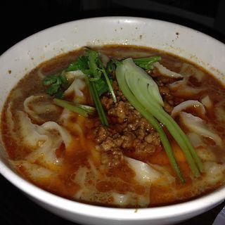 タンタン刀削麺(西安料理 刀削麺園 セイアンリョウリ トウショウメンエン)