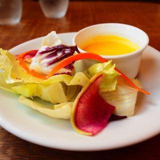 サラダ、かぼちゃスープ(カフェエデン 江坂店 (eden))