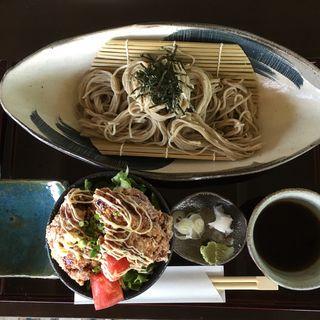 お蕎麦と唐揚げ小丼(そばカフェ ほどほど)