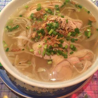 鶏肉のフォー(KHANHのベトナムキッチン銀座999)