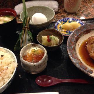 煮魚定食(北新地 和平 )