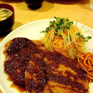 ポークヘレカツ定食(くま食堂 )