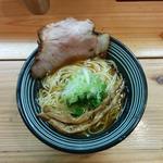 鶏清湯使用 醤油ラーメン