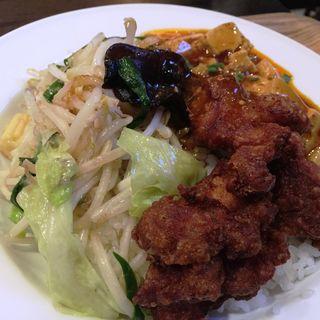 ぶっかけご飯(鶏唐揚、麻婆豆腐、野菜炒め)(バンブー (BAMBOO))