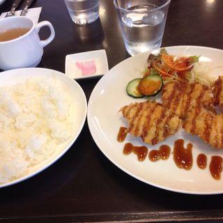 チキンカツ定食(コビアン)