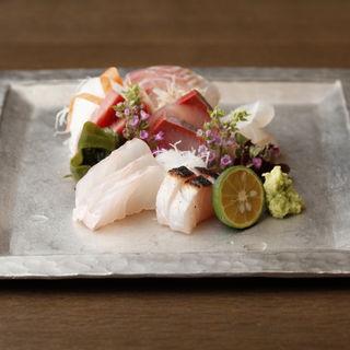 鮮魚のお造り(麻布春秋 (あざぶしゅんじゅう))