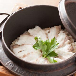 鯛の土鍋(春秋ユラリ 恵比寿 (しゅんじゅうゆらり))