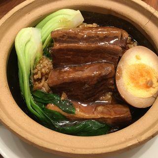 土鍋ご飯 (豚角煮)(紅虎餃子房)