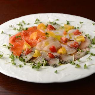 鮮魚のカルパッチョ(VINOIR)