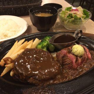 カットステーキ70gとハンバーグS(肉の万世 新宿西口店 (ニクノマンセイ))