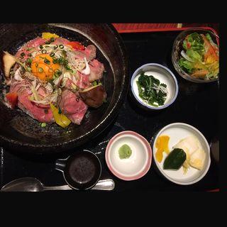 ローストビーフ丼(ご馳走ダイニング 満てん )