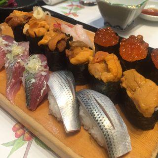 ウニ いくら アジ コハダ(びっくり寿司)
